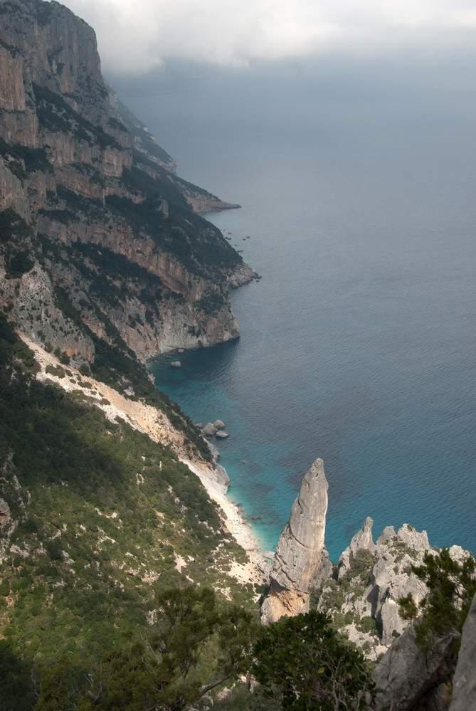 Panorama su Aguglia di Goloritzé, Supramonte di Baunei, giro di Punta Salinas e Cuile Irbidossili