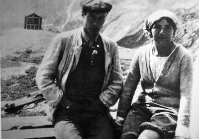Hans Duelfer e Hanne Franz al rifugio Vajolet