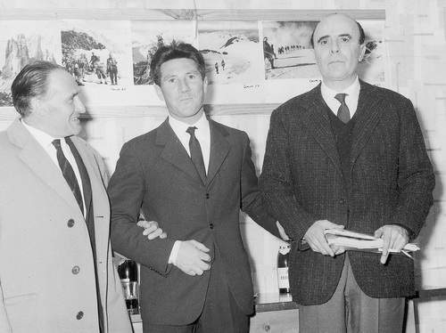 Gino Soldà (a sinistra), Walter Bonatti e Severino Casara, Schio, 18 aprile 1962.