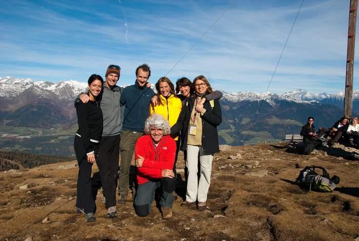 IMS 2010, gita alla Astjoch (Cima Lasta), altopiano Plose, Lia, Steve House, Simone Bobbio, Leila Meroi, Alessandra Raggio, Guya e (in ginocchio) A. Gogna