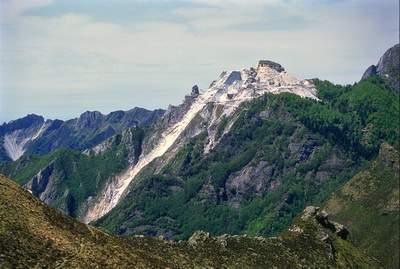 Cava di marmo a ovest del M. Corchia (A. Apuane)