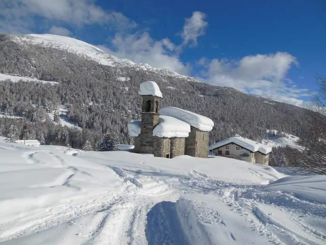 Mortirolo-chiesa1