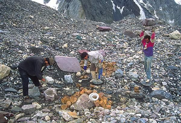 Baltoro, Concordia, raccolta e riduzione rifiuti, 2004