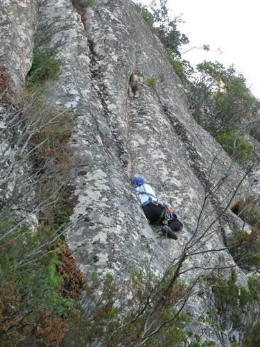 sa Rocca de Ballizzu, M. Marrosu su 2a lunghezza di No Traversi per Barbi , Sardegna