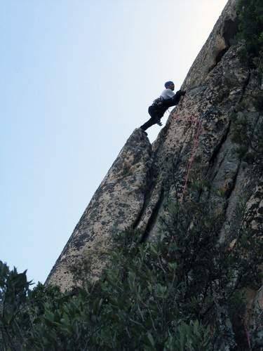 sa Rocca de Ballizzu, M. Marrosu sulla 4a lunghezza di No traversi per Barbi , Sardegna