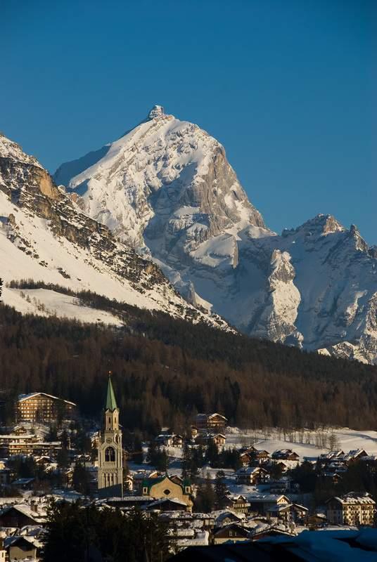 Cortina d'Ampezzo da frazione Ronco, verso Antelao