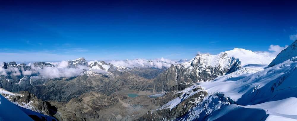 Sustenpass e Steinsee dal Vorder Tierberg, sulla destra Steingletscher e Sustenhorn, Svizzera Centrale