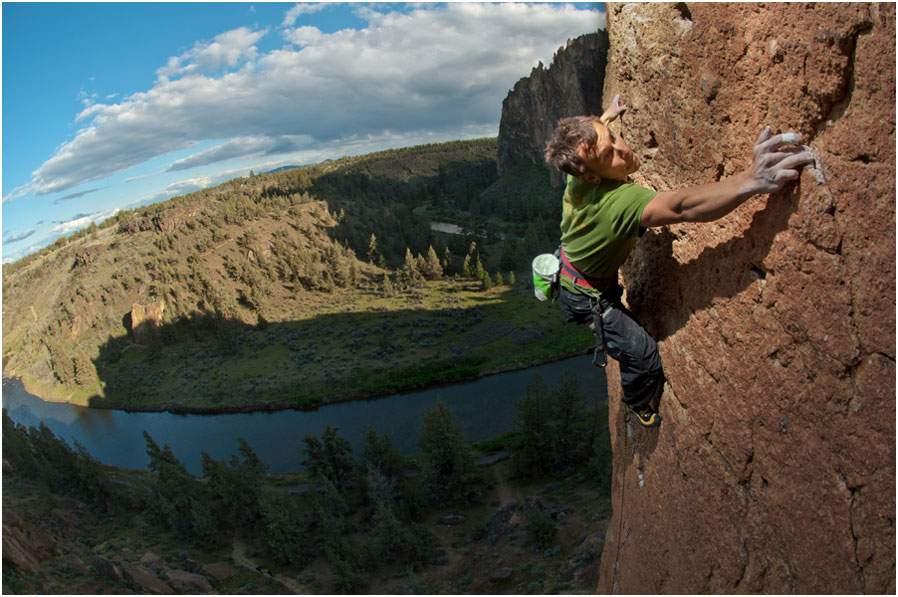 Il-più-forte-Jonathan-Siegrist-Climbing-1