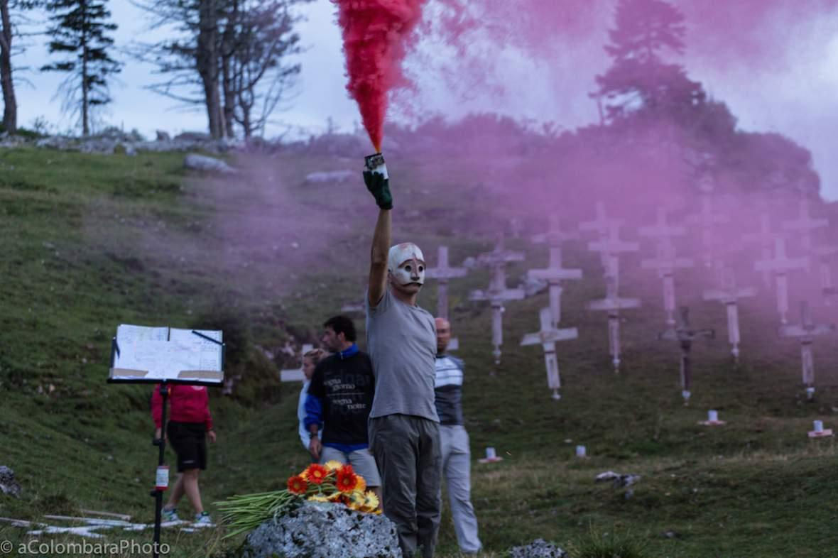 peruffo_burning_cemetery_alessandro_colombara_070