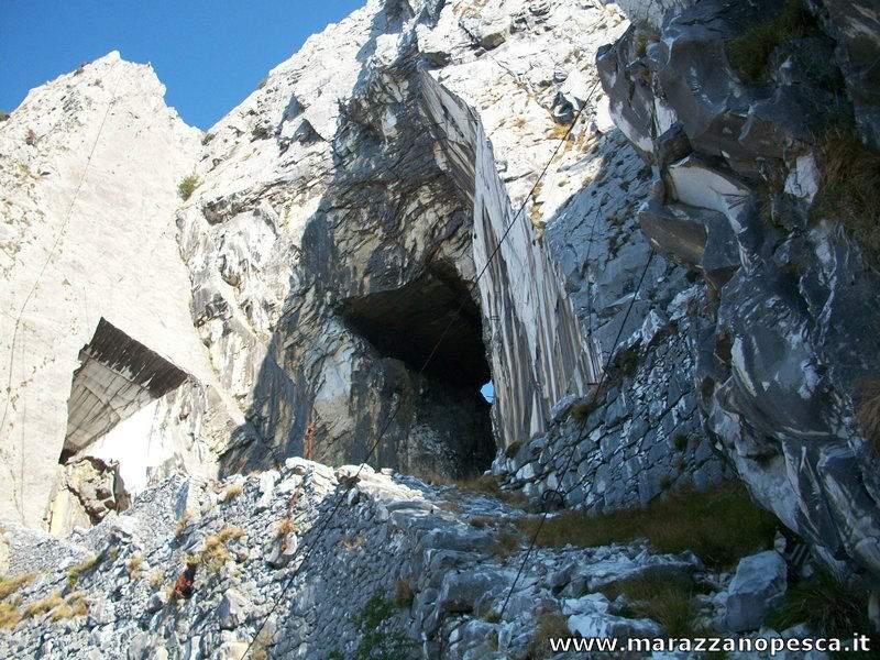 Tavoloni-Veduta esterna-Cava Tacca Bianca-Monte Altissimo