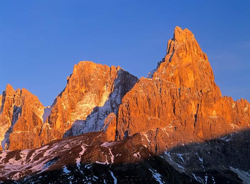 Gruppo Pale di San Martino con a destra il Cimon della Pala - Dolomiti -  Passo Rolle
