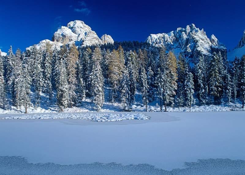 Gruppo dei Cadini di Misurina e lago de Antorno - Dolomiti - Salendo verso le Tre Cime di Lavaredo