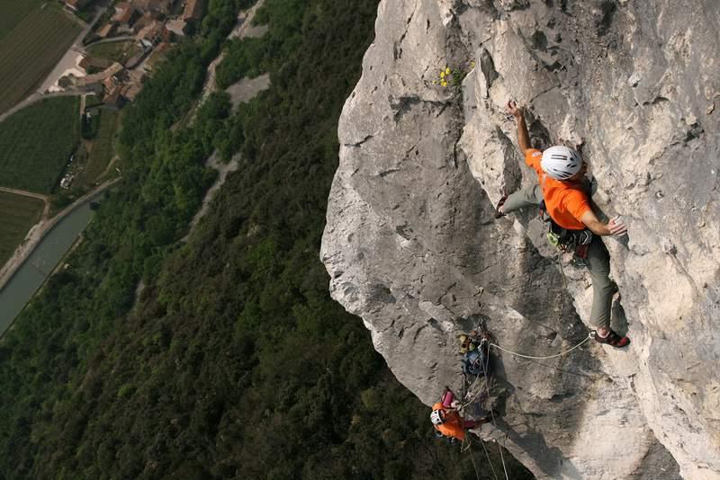 Monte Cimo, Via di Testa, 4° tiro, 7c+ (foto di Andrea Gennari Daneri)