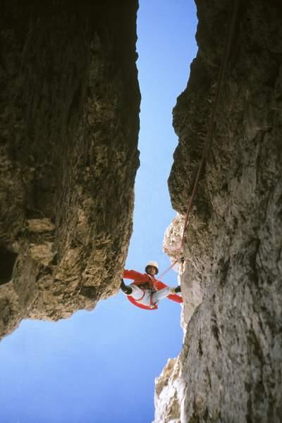 In arrampicata sulla via Dülfer al Catinaccio d'Antermoia
