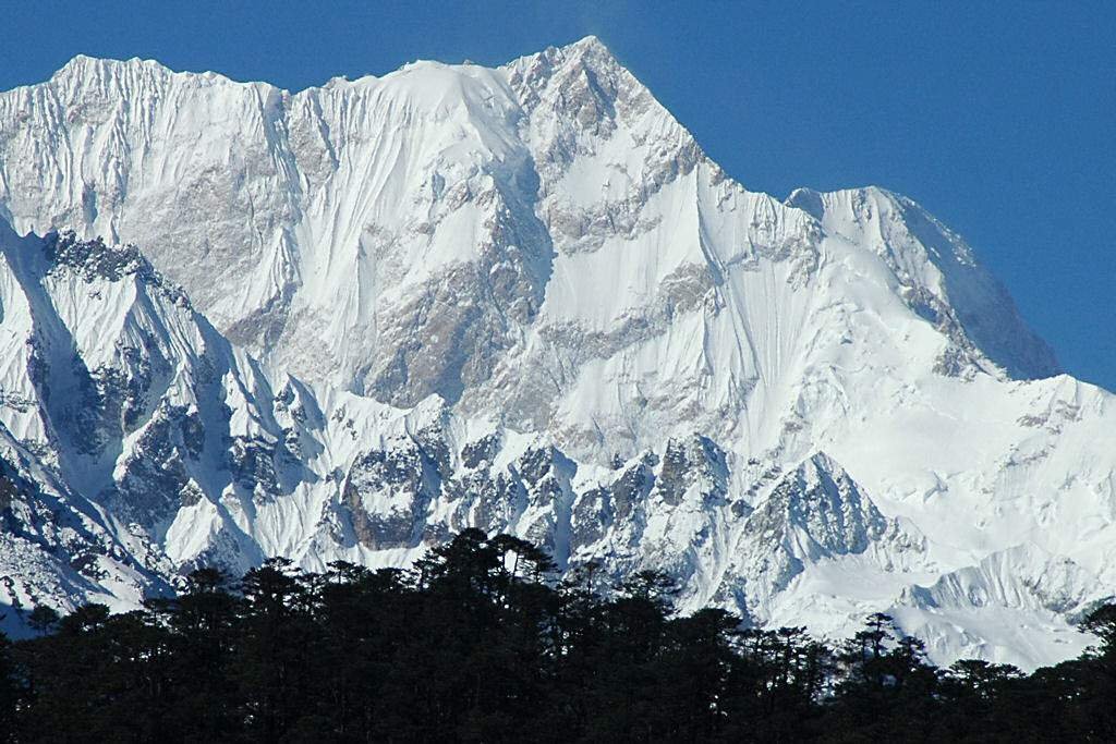 ex-pedire-Kangchenjunga_East_Face_from_Zemu_Glacier