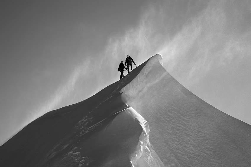 AlpinismoNonGuide-5-photo-cord-e-sur-l-ar-te-est-du-mont-maudit-jean-fran-ois-hagenmuller