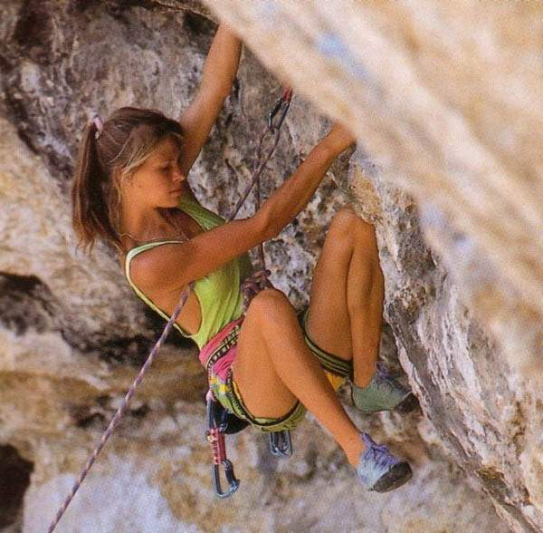 Climbing Girls 02 sexy-rock-climbers-23