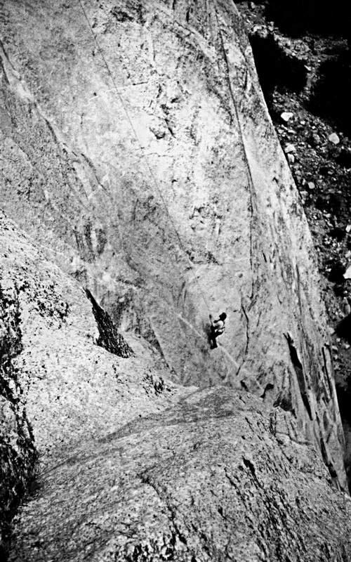 25 settembre 1972: P. Cordier risale le core fisse messe in posto il 22 settembre sul Nose (Capitan)