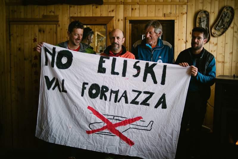Alcuni dei partecipanti alla dimostrazioni