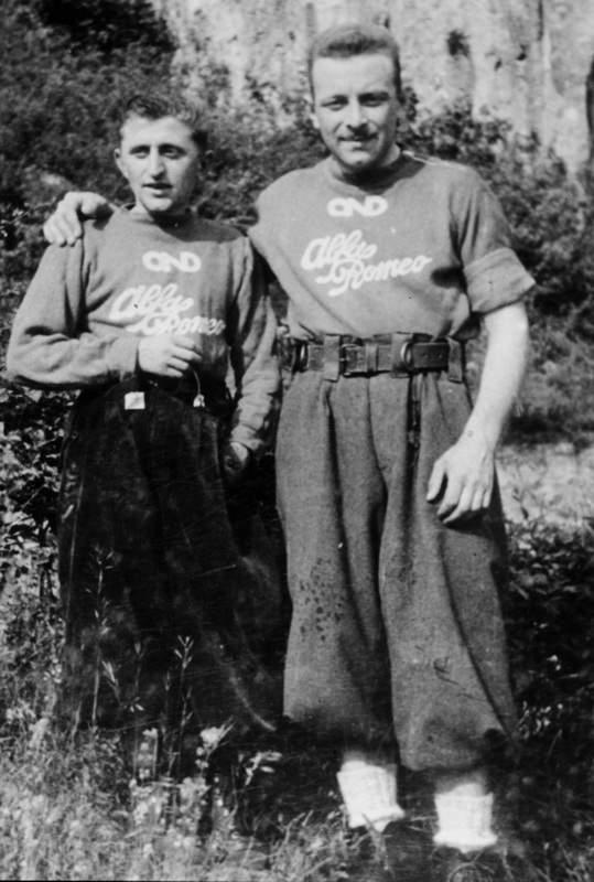 """Ercole Ruchin Esposito con Emilio Galli, il quale indossa una delle prime """"cinture d'arrampicata"""", antesignane delle moderne imbragature. Archivio Emilio Galli"""