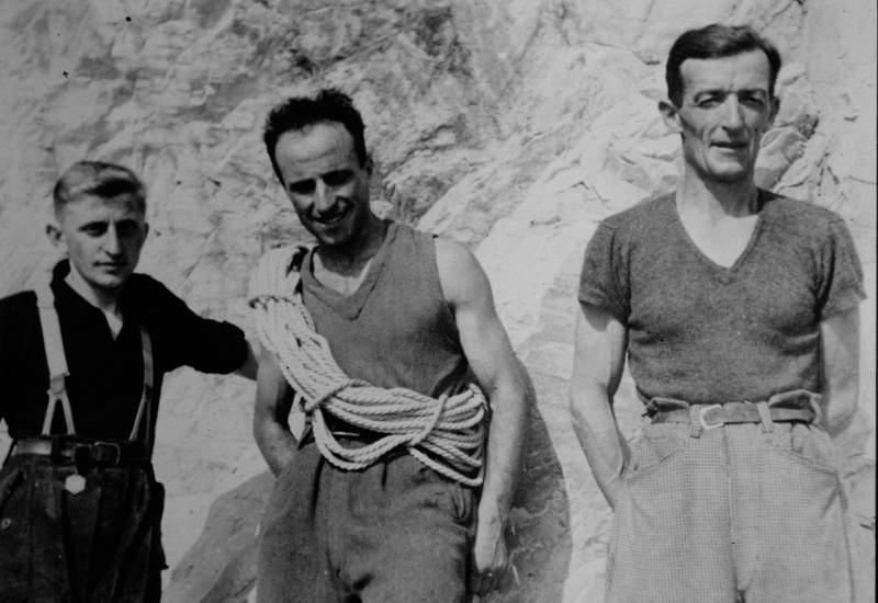 1942 - Ercole Ruchin Esposito con Alfredo Colombo e Gino Valsecchi in Grigna (forse nel giorno dell'ascensione della via Faé alla Torre Lancia) . Archivio Emilio Galli