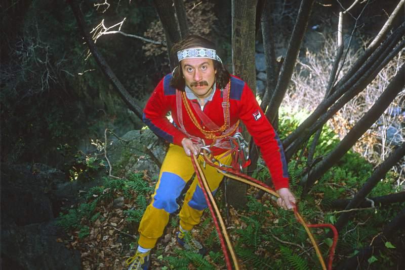 Rocca di Caprie, val di Susa, Gian Carlo Grassi alla base di Teschi Scoperti, 15.12.1982