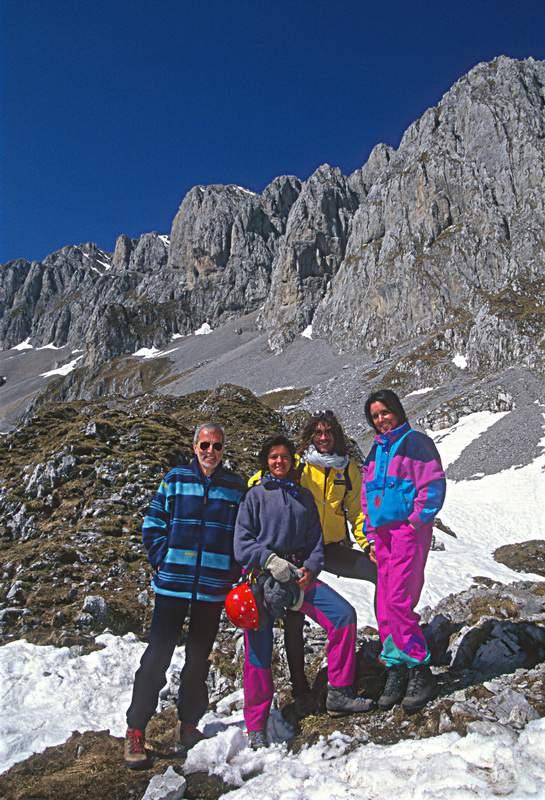 Presolana, bivacco Città di Clusone, Oskar Brambilla e Chiara Bau, con la di lei mamma e papà