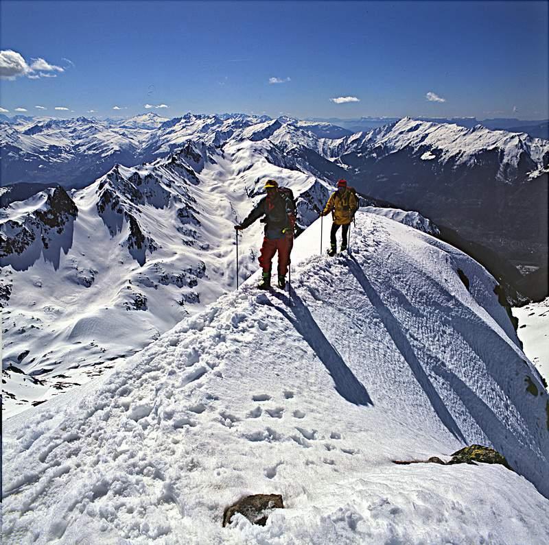 G. Miotti e A. Gogna giungono in vetta al Grand Mont d'Areche, 25.03.1994, Beaufortain, Savoia, Francia