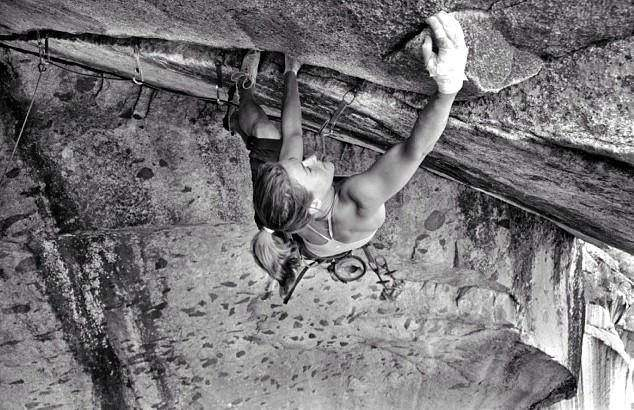 ClimbingGirls-4-Sarah Watson on Separate Reality. Foto James Q.Martin