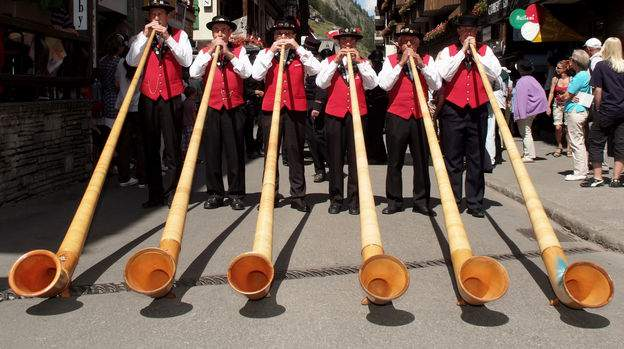 OffensivoDivieto-Folklore-Festival-Alphornblaeser_grid_624x350