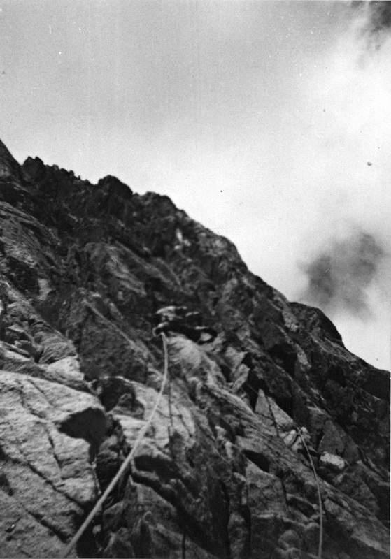 Gianni Calcagno all'attacco della parete est del Caire di Prefouns, 30 luglio 1965. Tentativo di via nuova.