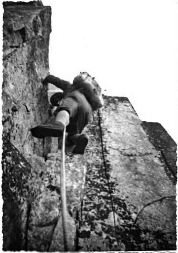 Gianni Calcagno sulla 1a asc. della parete nord della VI Guglia di Lac Negré