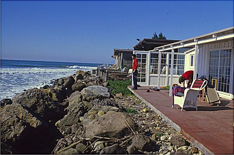 California,  , Ventura, A. Gogna e M. Preti in casa di Yvon Chouinard , ottobre 1978
