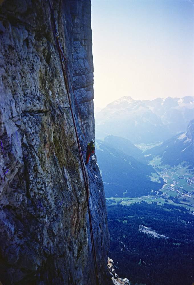 A. Gogna sulla via Messner al Pilastro di Mezzo del Sass dla Crusc. 26.07. 1983