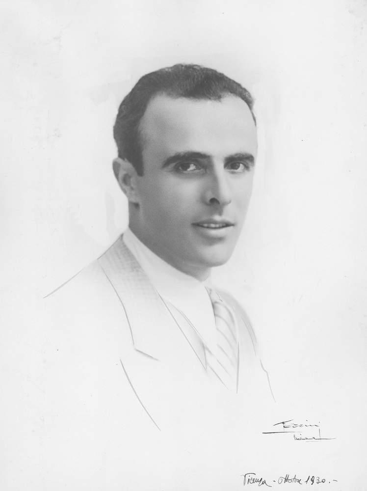 Ritratto di Severino Casara, Vicenza, ottobre 1930. Foto: Studio fotografico Ferrini.