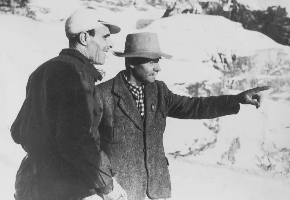 Casara con Angelo Dibona durante le riprese del film Cavalieri della Montagna. Foto: Walter Cavallini.
