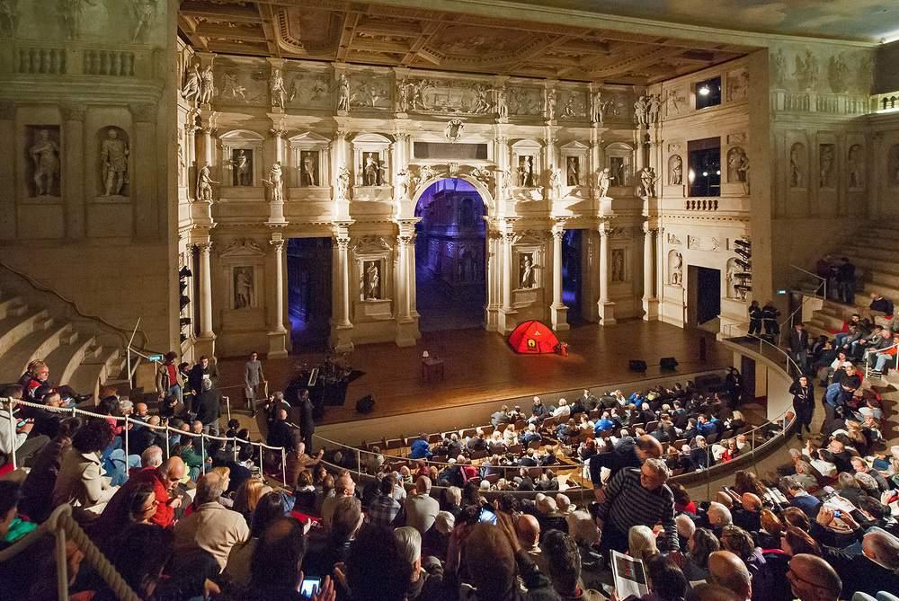 DueSoliRenatoCasarotto-TeatroOlimpico-ENR_1942