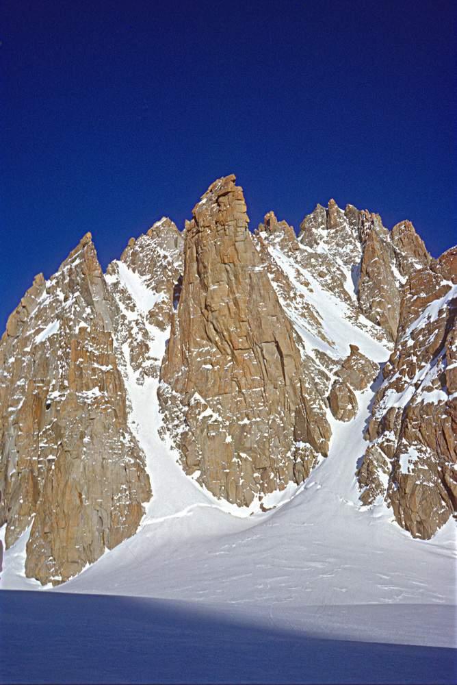 Gruppo del Monte Bianco, Grand Capucin, parete est