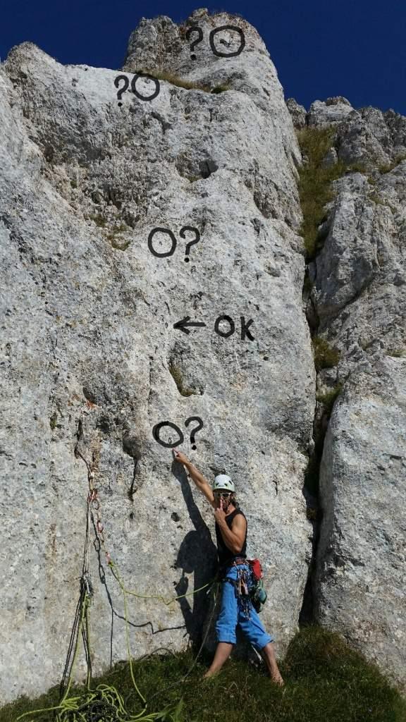 terremotisibillini-16-cresta-delle-fate-secondo-tratto-deturpato-3-tasselli-aggiunti-2-di-sosta