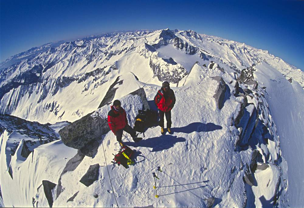 Marco Milani e Markus Neumayr in vetta allo Schwarzenstein, 22.03.2000, Valle Aurina, Alto Adige