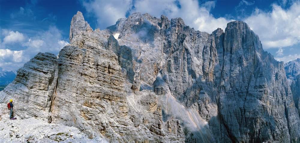Dalla Cima Listolade, panorama (da sinistra) su Cima Terranova, Piccola Civetta, Cima De Toni, Cima Paolina e Cima della Busazza