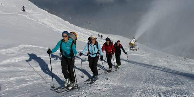 salita-accanto-piste-skitouren-auf-pisten-4dav-manfred-scheuermann