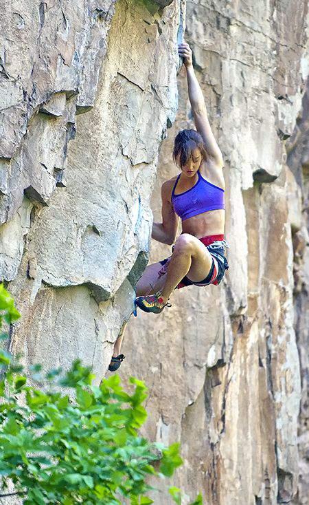 ClimbingGirls-23-31824522253324298a8645ff6d9c2881
