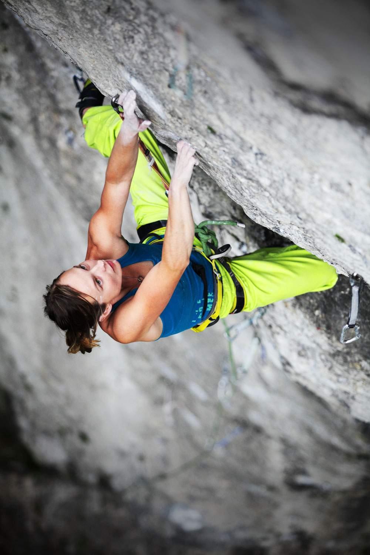 ClimbingGirls-24-Kinga Ociepka-Grzegulska on Ekspozytura szatana-8b+, Pochylec, Poland