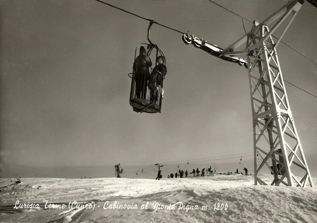 roccemareneve-cestovia-valle-asili-colle-pigna-linea-presso-monte-skilift-margherita-sullo-sfondo-foto-1963-marchisio-lurisia