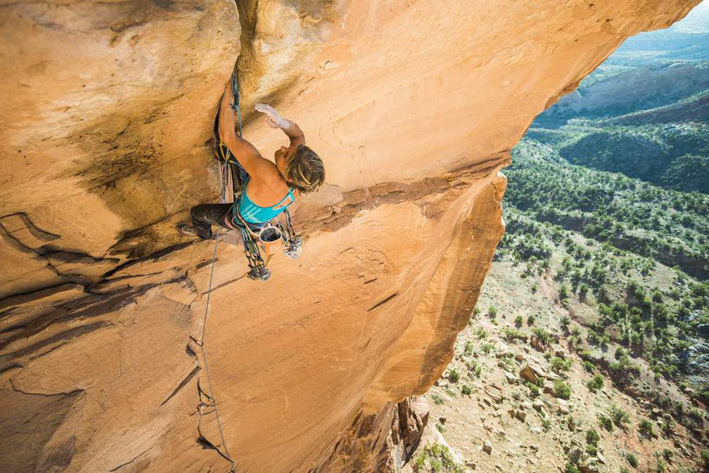 ClimbingGirls-25-Mayan Smith-Gobat, Colorado National Monument.FotoJeremiahWatt