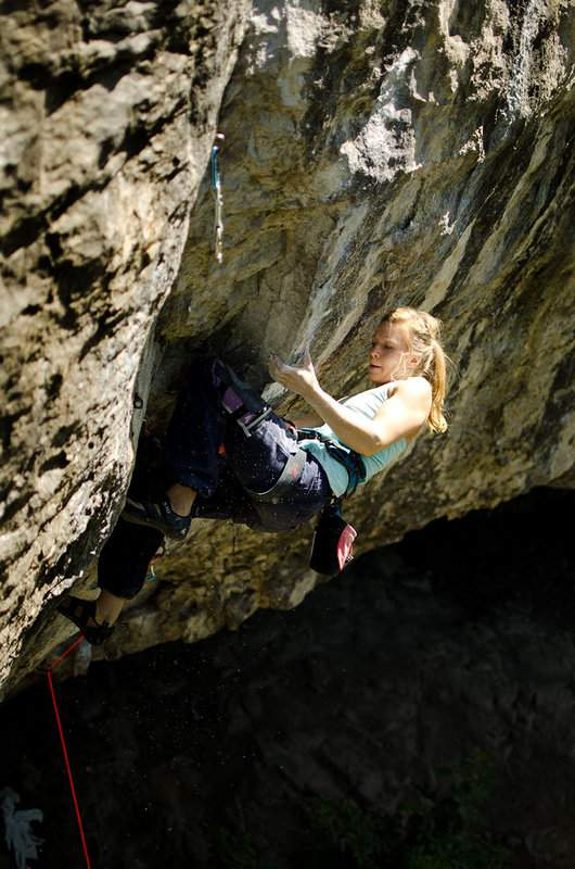 ClimbingGirls-25-Mina Leslie-Wujastyk-1-Mecca-8b+,RavenTor,UK,set2012-FotoNickBrown
