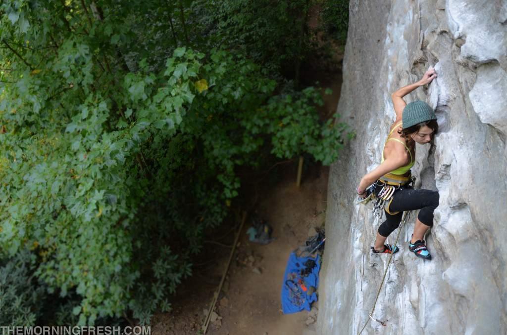 ClimbingGirls-29-KatieBoué-MuirValley-RedRiverGorge-DSC_6149-2-1024x678