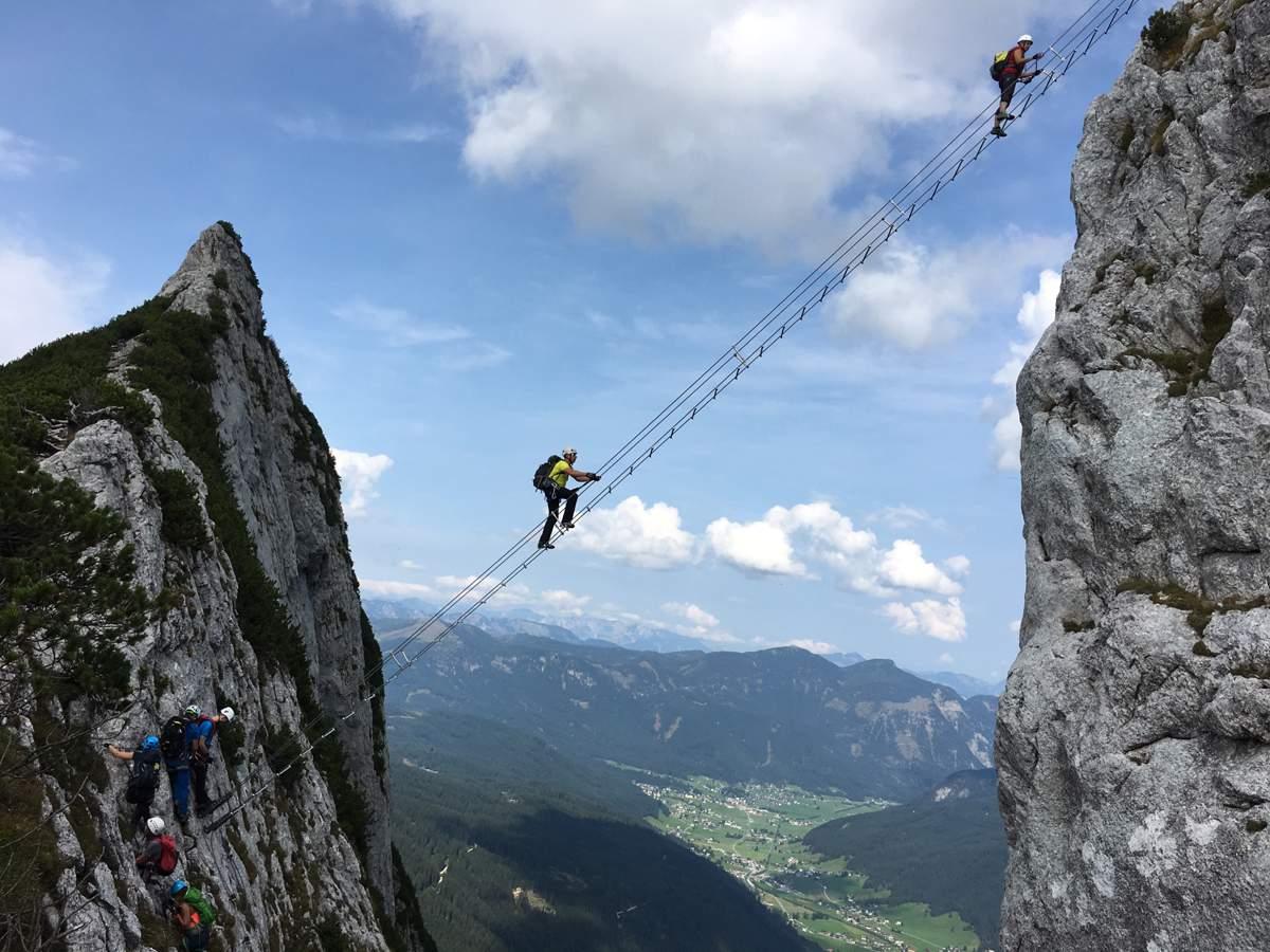Scala arrampicata di corda Al settimo cielo