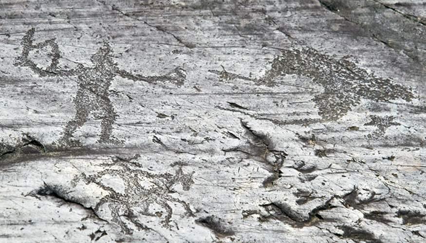Incisioni-rupestri-ceto-cimbergo